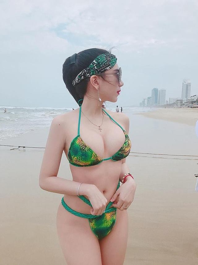 Hồ Ngọc Ý Nhi còn sở hữu phong cách thời trang cực chất.