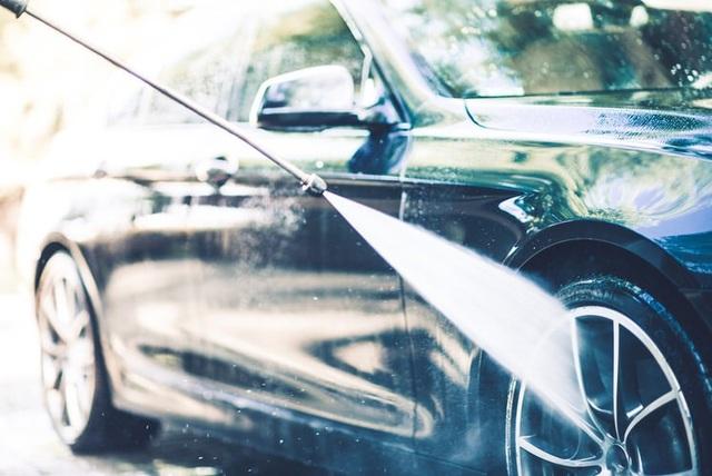 """Máy rửa ô tô tự động """"bó tay"""" với xe tự lái - 1"""
