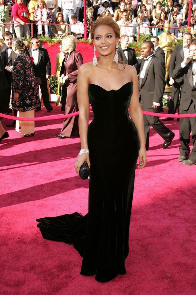 Beyonce tại lễ trao giải Oscar năm 2005