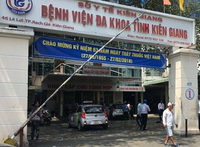 Hiện lãnh đạo bệnh viện đa khoa Kiên Giang đã đình chỉ công tác bác sĩ Tạ Nam Ngạn