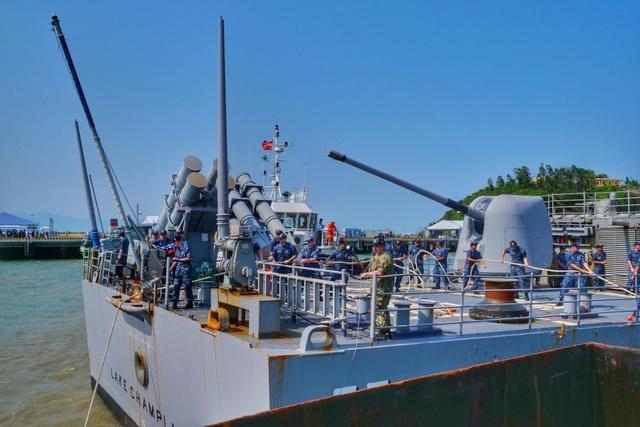 Hình ảnh nơi neo đậu của tàu Hải quân Mỹ tại cảng Tiên Sa - 1