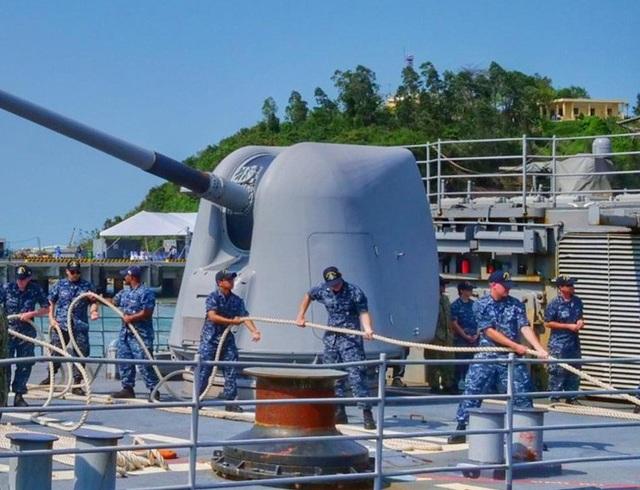 Hình ảnh nơi neo đậu của tàu Hải quân Mỹ tại cảng Tiên Sa - 3