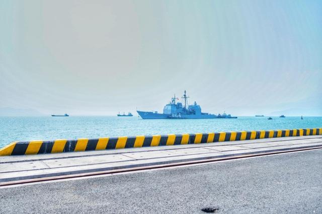 Vị trí neo đậu tàu và hoạt động của binh lính Mỹ tại Cảng Tiên Sa