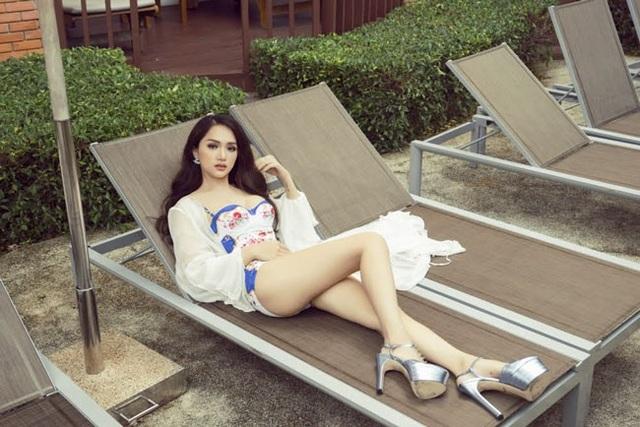 Hương Giang nóng bỏng với bikini tại Hoa hậu Chuyển giới Quốc tế - 7