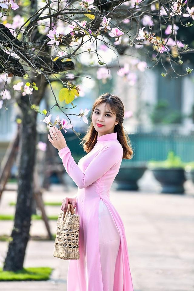 Nữ sinh 9X bên sắc tím hoa ban giữa lòng Thủ đô - 11