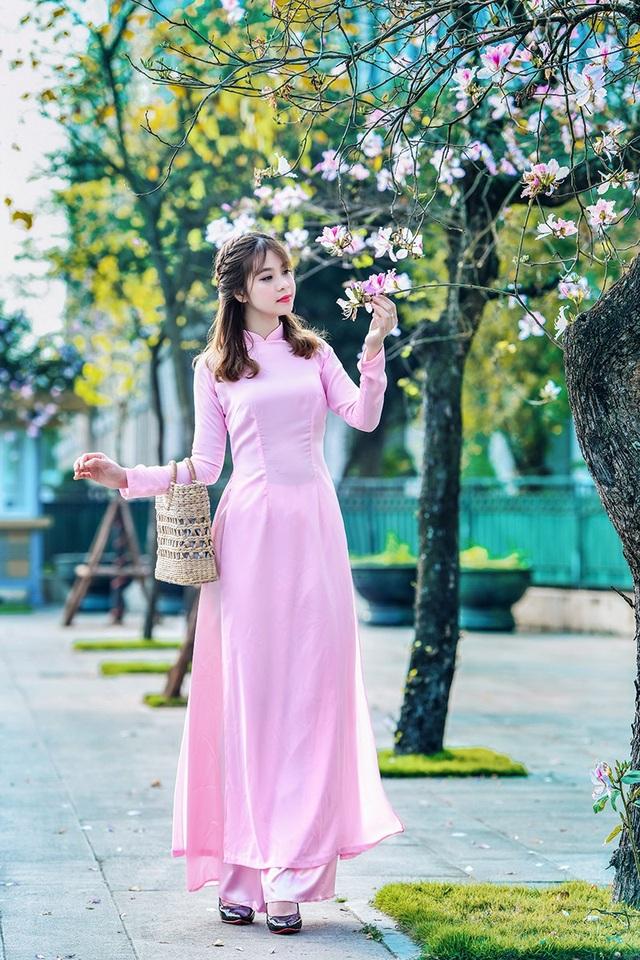 Nữ sinh 9X bên sắc tím hoa ban giữa lòng Thủ đô - 8