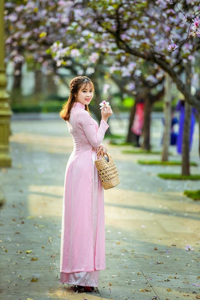 Nữ sinh 9X bên sắc tím hoa ban giữa lòng Thủ đô - 6