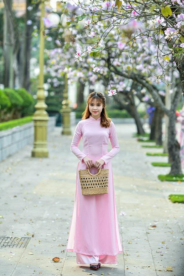 Nữ sinh 9X bên sắc tím hoa ban giữa lòng Thủ đô - 5