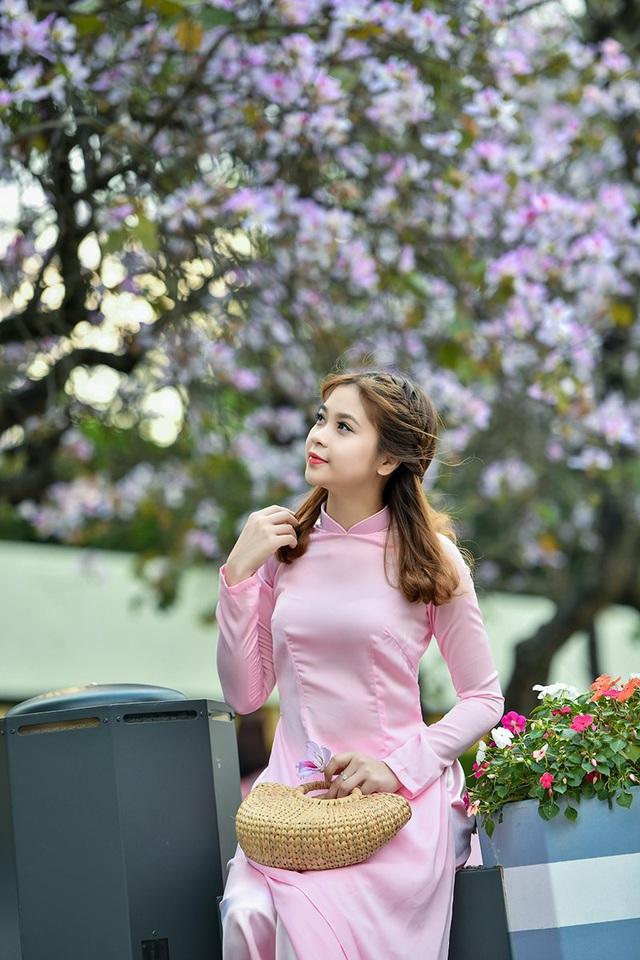 Nữ sinh 9X bên sắc tím hoa ban giữa lòng Thủ đô - 2