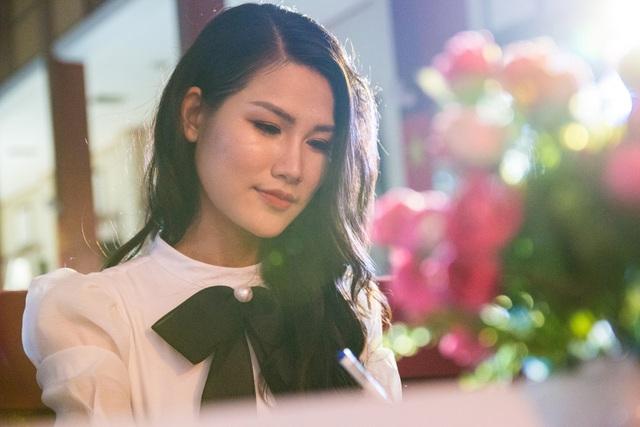 Hoa hậu Thân thiện Ngọc Anh tái xuất sau một thời gian dài âm thầm hoạt động.