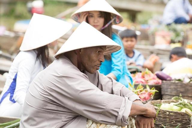 Mike Tyson trong như một người nông dân lần đầu tiên xuất hiện trên màn ảnh Việt