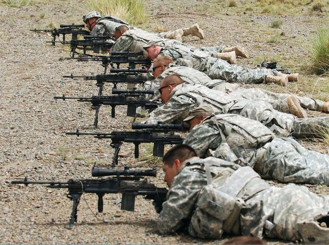 Súng trường tác chiến cải tiến M14 với cỡ đạn 7.62 mm hiện nằm trong danh sách những vũ khí bị Lục quân Mỹ thay thế. (Ảnh: US Army)