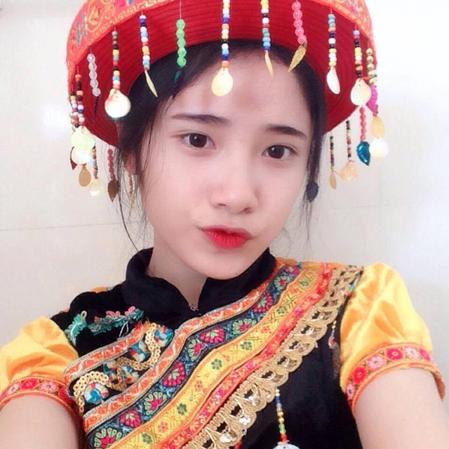 Danh tính thật của thiếu nữ bán đậu phụ cực xinh ở Lào Cai - 7