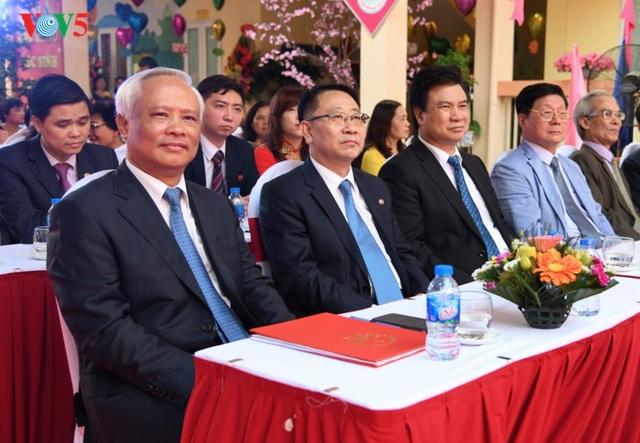 Ông Uông Chu Lưu (trái), Ủy viên Trung ương Đảng, Phó Chủ tịch Quốc hội, ông Kim Myong Gil (thứ 2 bên trái sang) Đại sứ đặc mệnh toàn quyền CHDCND Triều Tiên tại Việt Nam. (Ảnh: VOV)