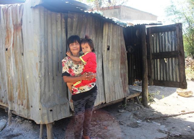 Dù gia đình nghèo khổ nhưng bà Huynh vẫn nuôi Thương ăn học đầy đủ