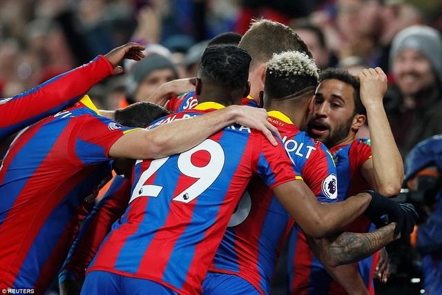 Niềm hạnh phúc của Townsena và các đồng đội sau khi ghi bàn