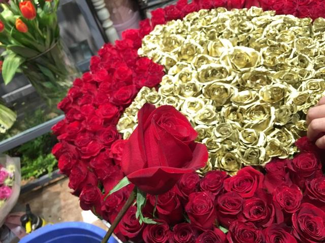 Hoa hồng nhập khẩu tuy đắt nhưng rất đẹp và khiến nhiều chị em mê mẩn