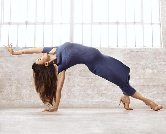 Một vài bức ảnh đẹp của Hilaria khi tập yoga