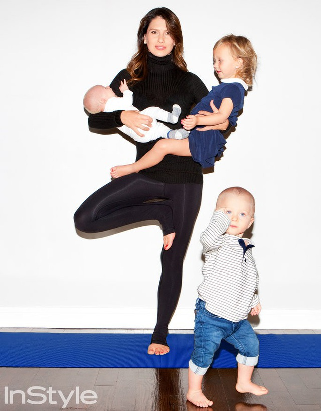 Huấn luyện viên yoga này đam mê tập luyện mọi lúc mọi nơi.
