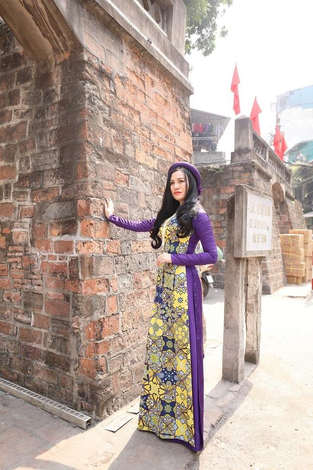 Hoa hậu Trần Huyền Nhung ngọt dịu dàng sắc tím trong lòng phố cổ Hà Nội - 7