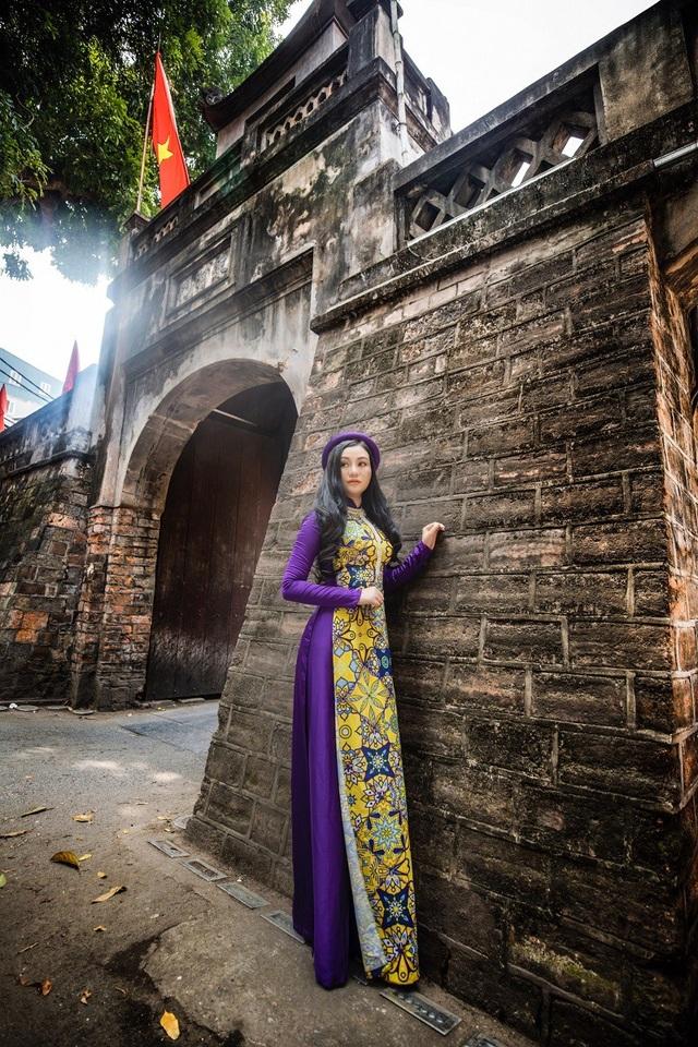 Hoa hậu Trần Huyền Nhung ngọt dịu dàng sắc tím trong lòng phố cổ Hà Nội - 8