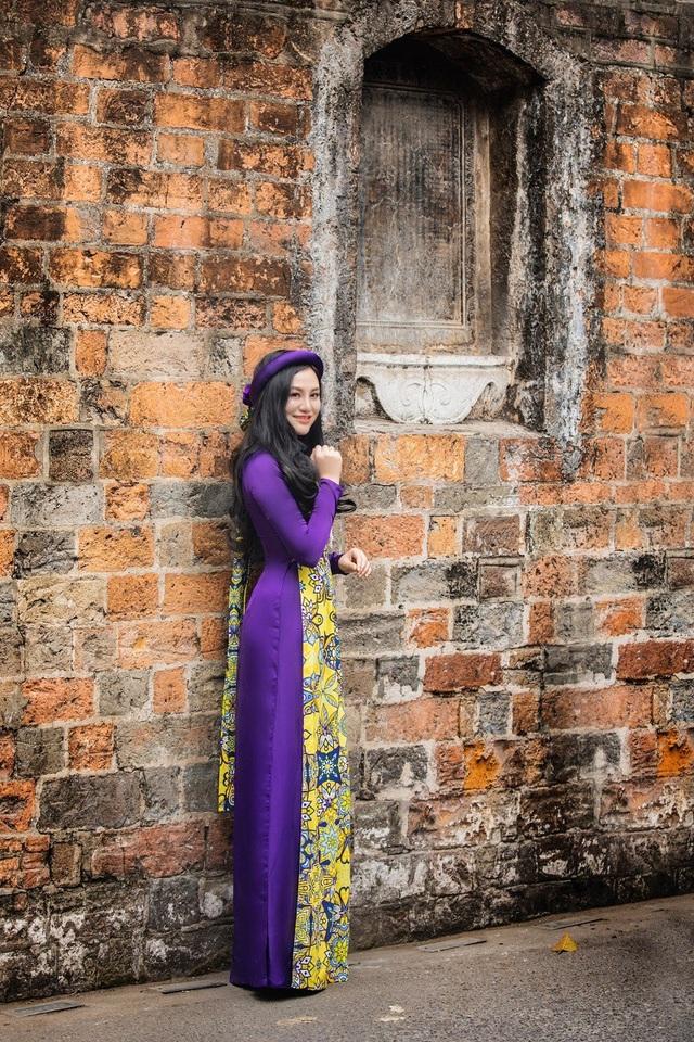 Hoa hậu Trần Huyền Nhung ngọt dịu dàng sắc tím trong lòng phố cổ Hà Nội - 9