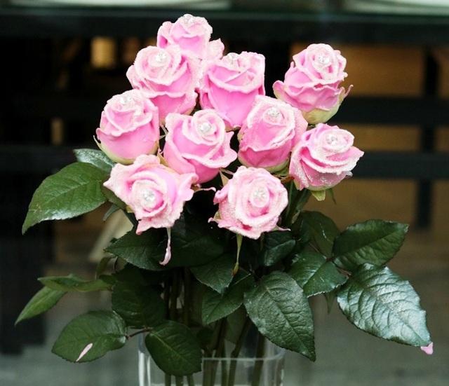 """Hoa hồng """"kim cương"""", một sản phẩm """"độc"""" trong dịp 8/3 năm nay"""