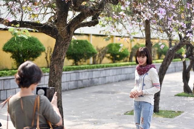Tháng 3, Hà Nội đẹp ngỡ ngàng màu tím hoa ban - 9