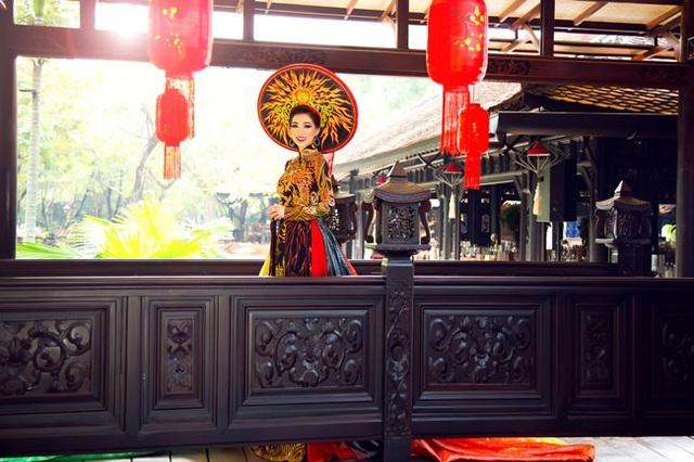 Một số hình ảnh đẹp của Hồng Tươi trong trang phục áo dài đậm chất cung đình
