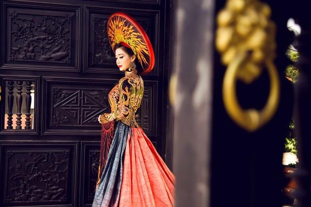 Hồng Tươi chia sẻ, sau khi đăng quang Hoa hậu Đông Nam Á, cô được nhiều người biết đến, công việc thuận lợi và cuộc sống cũng thú vị hơn.