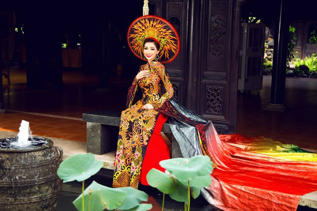 Trần Hồng Tươi đăng quang cuộc thi Hoa hậu Doanh nhân người Việt châu Á 2018 diễn ra tại Đài Loan (Trung Quốc).