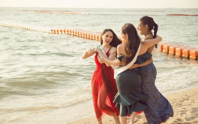 Hương Giang đầy năng lượng tại cuộc thi Hoa hậu Chuyển giới Quốc tế - 5