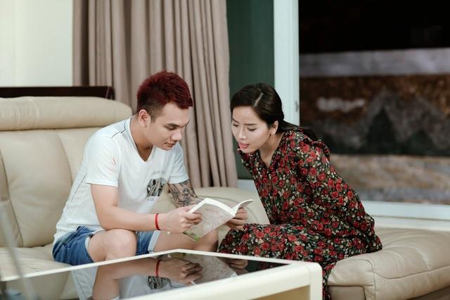Khắc Việt chấp nhận yêu người con gái đã mang thai với người con trai khác trong Yêu nhầm người.