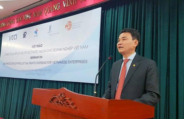 Ông Đinh Hữu Phí, Cục trưởng Cục Sở hữu trí tuệ phát biểu tại hội thảo.