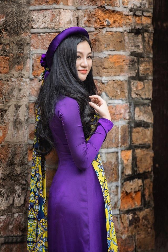 Hoa hậu Trần Huyền Nhung ngọt dịu dàng sắc tím trong lòng phố cổ Hà Nội - 2