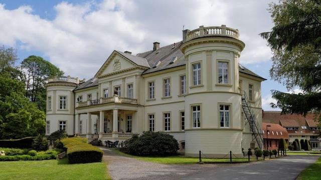 Trường THPT nội trú Internat Schloss Buldern