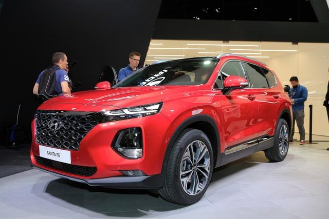 Hyundai Santa Fe thế hệ mới ra mắt thị trường châu Âu sau khi đã trình làng ở quê hương Hàn Quốc cách đây 2 tuần