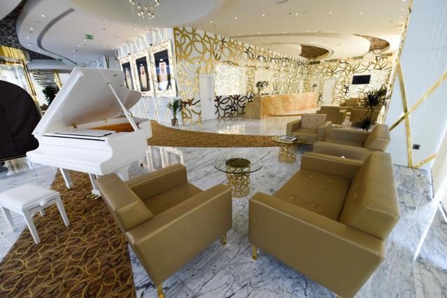 Bên trong khách sạn sang chảnh cao và đắt nhất thế giới - 7