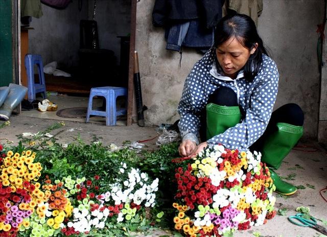 Làng hoa Tây Tựu trầm lắng dù cận ngày Quốc tế Phụ nữ 8.3 - 10