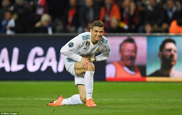C.Ronaldo ghi bàn ở cả hai trận đấu với PSG tại vòng 1/8 Champions League