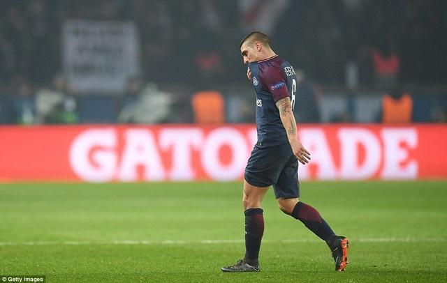 Verratti nhận thẻ đỏ rời sân ở phút 66, khiến PSG không thể thay đổi cục diện trận đấu