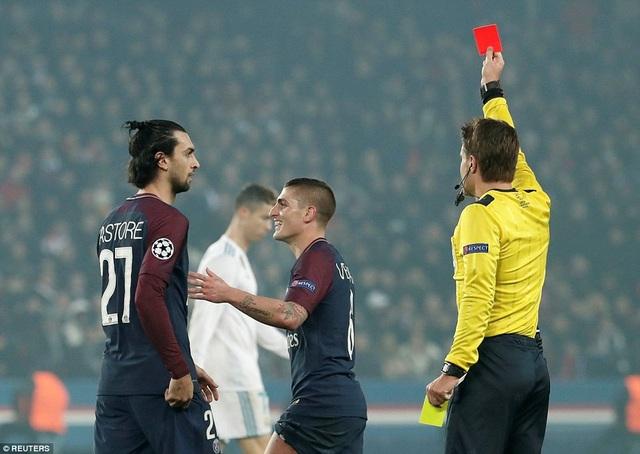 Thẻ đỏ vô duyên của Verratti khiến PSG sụp đổ