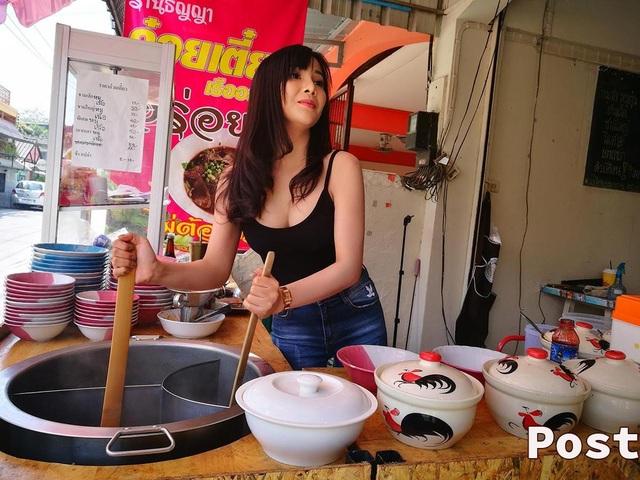 Quán ăn từng rơi vào tình trạng ế ẩm trước khi chuyển hướng bán mỳ kiểu Thái như hiện tại