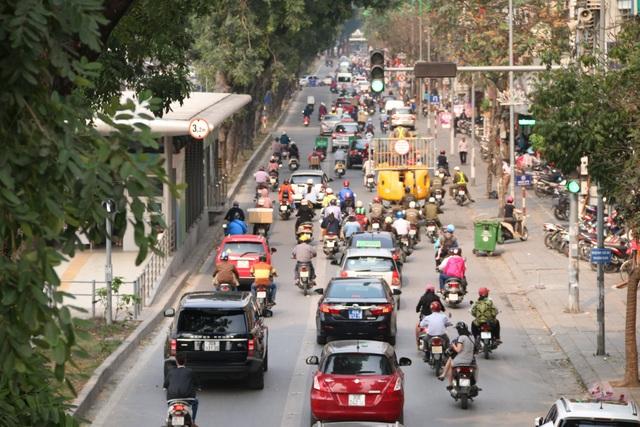 Hà Nội: Một ngày hỗn loạn của buýt nhanh BRT - 10