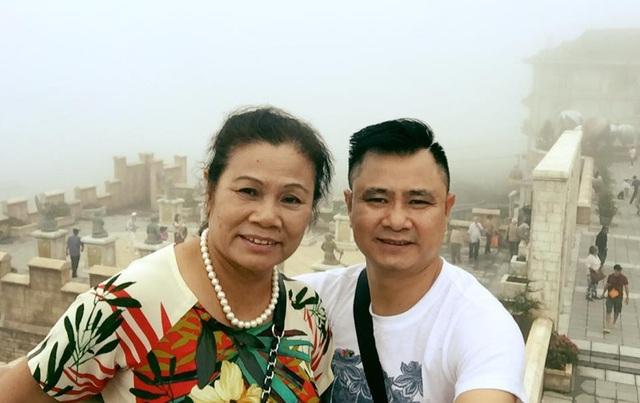Tự Long luôn tự hào vì có người mẹ tuyệt vời.