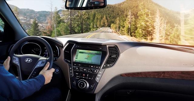 Hyundai Santa Fe 2018 có nguy cơ rơi vô-lăng - 1