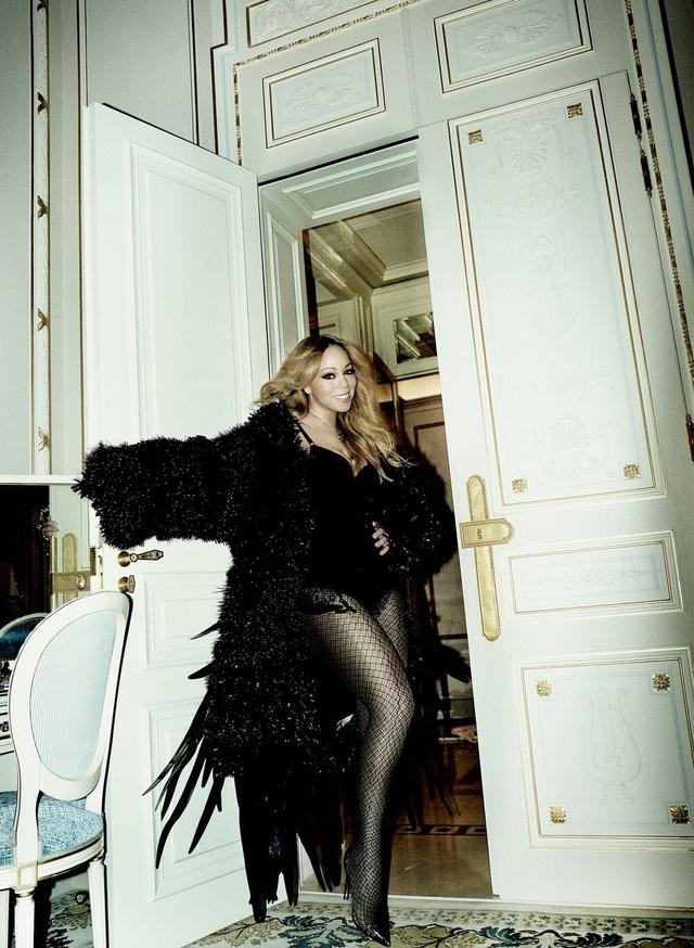 Nổi tiếng là người sành điệu thích những món đồ hiệu xa hoa, Mariah Carey luôn gây choáng ngợp trong mỗi lần xuất hiện