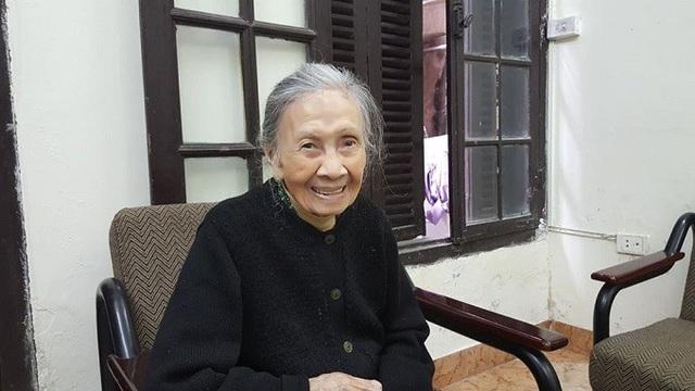 Bà Trương Thị Mô - con gái chủ nhân căn biệt thự, chia sẻ, trải qua nhiều biến động lịch sử, hiện nay ngoài gia đình bà, biệt thự còn có người dân từ nơi khác đến ở. Gia đình bà Mô chỉ quản lý và sử dụng diện tích hơn 200 mét vuông.