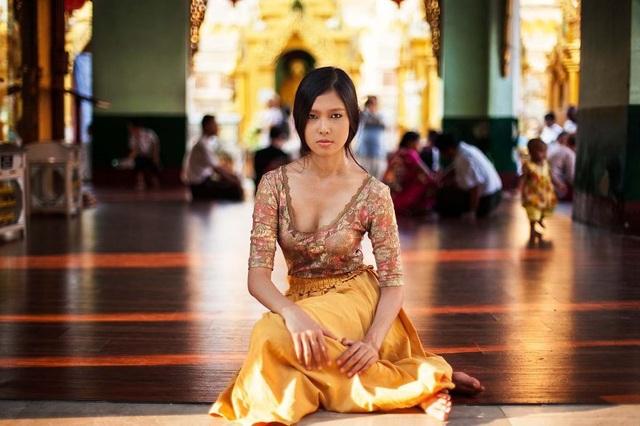 Nhiếp ảnh gia đi vòng quanh thế giới để chụp ảnh chân dung phái đẹp - 8