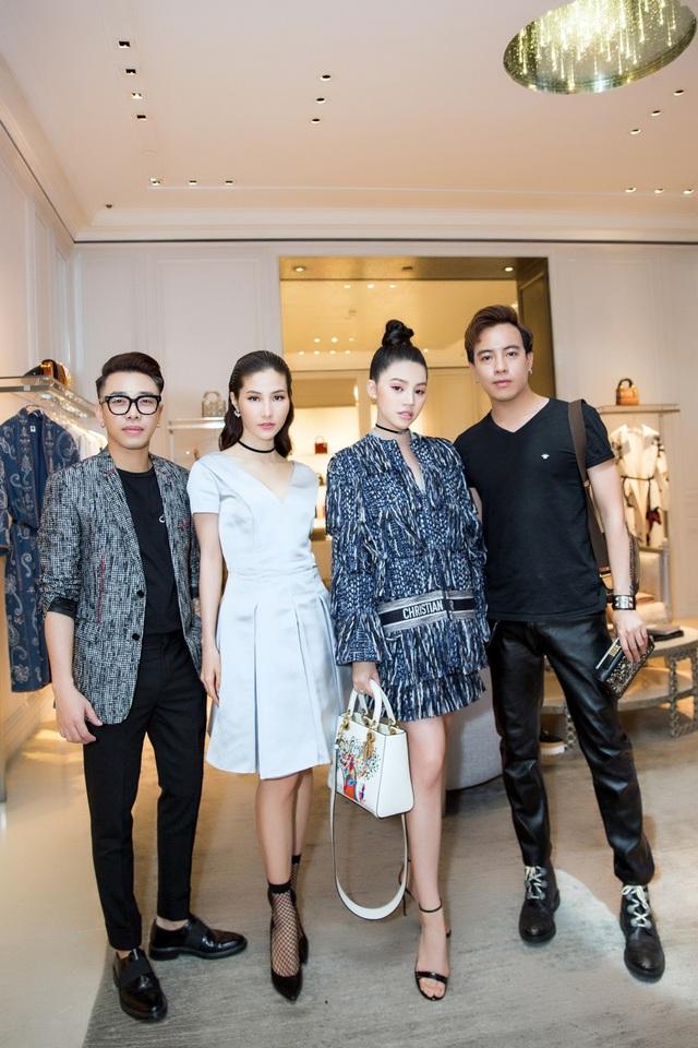 Jolie Nguyễn có dịp hội ngộ: diễn viên Diễm My, stylist Hoàng Ku & Mạch Huy...